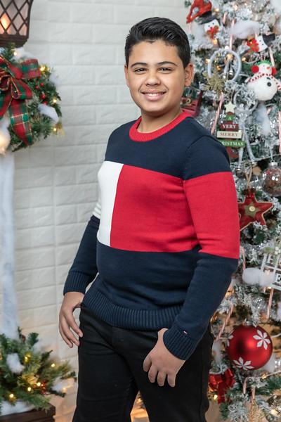 12.18.19 - Vick's Christmas Photo Session 2019 - -59.jpg