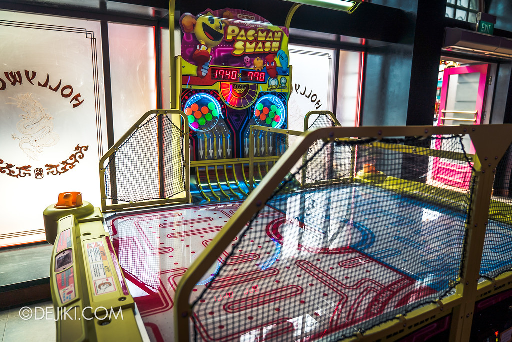 Universal Studios Singapore - Hollywood China Arcade / Pacman Smash