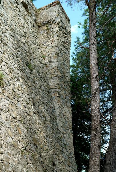 08_19 portofino castle wall DSC04880.JPG