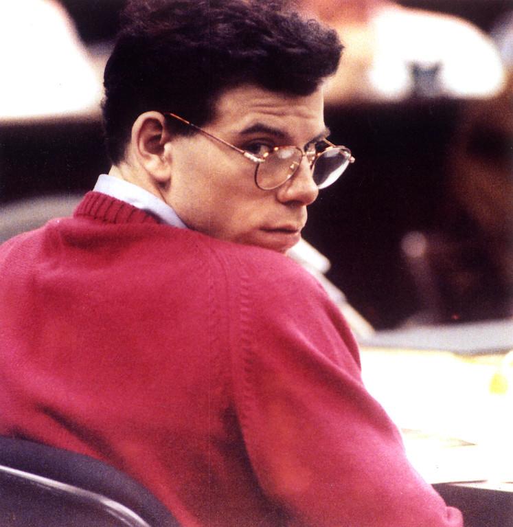 . Erik Menendez glances back at court spectatorss during his trial.  (7/22/93)   (L.A. Daily News file photo)
