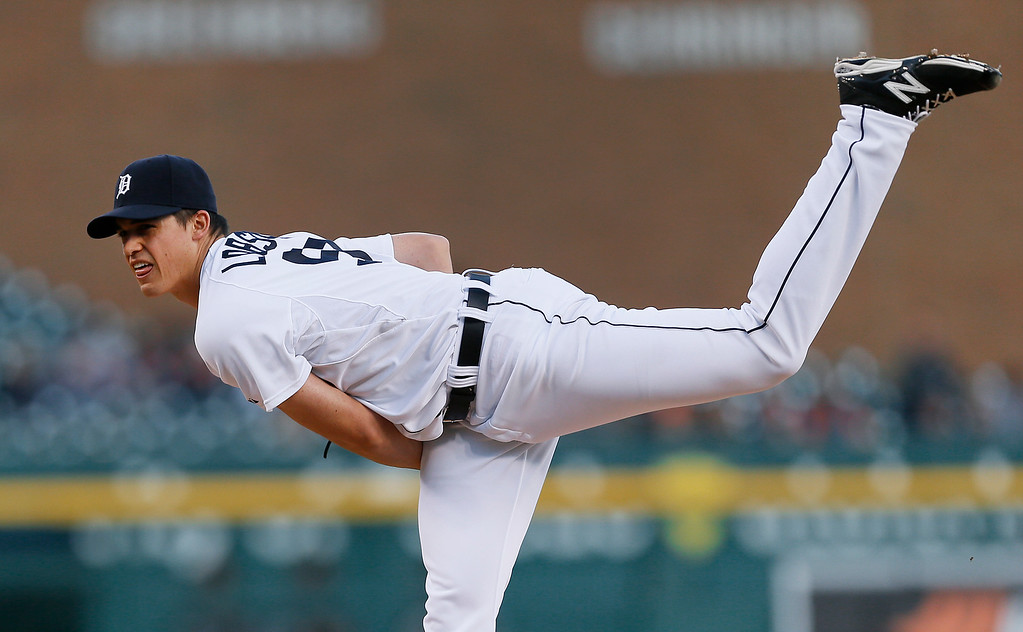 . Detroit Tigers pitcher Kyle Lobstein throws against the Chicago White Sox in the first inning of a baseball game in Detroit Monday, Sept. 22, 2014. (AP Photo/Paul Sancya)
