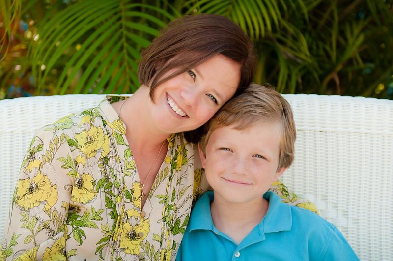 Allison_and_Kellen_Mother's_Day_DSC_4576-2_edited-1.jpg