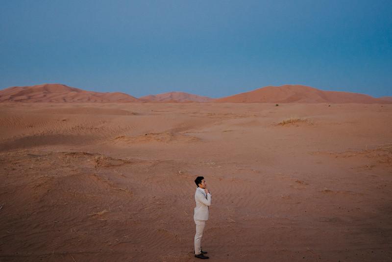 Tu-Nguyen-Destination-Wedding-Photographer-Morocco-Videographer-Sahara-Elopement-438.jpg