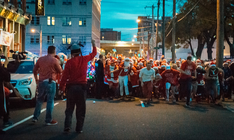 Running with Santa Philadelphia 12-12-2015-3342.jpg