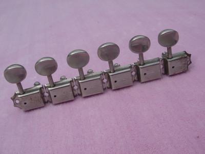131-1    1956 - 1963 Strat - Tele Kluson single line tuners $385