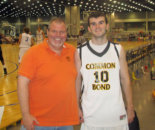 Common Bond 17U at 2012 Bluegrass Classic
