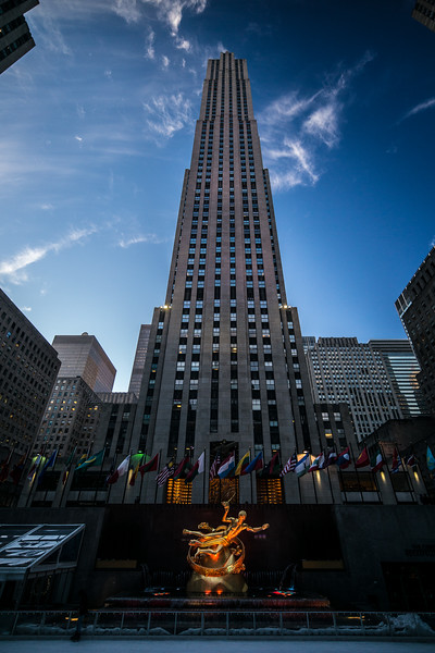 Prometheus in front of Rockefeller Center.jpg