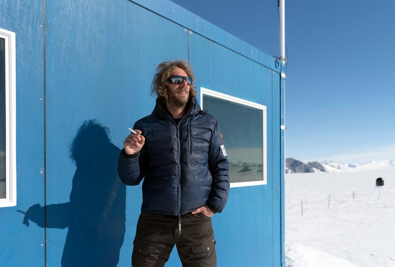 Climb Antarctica Women -1-11-18098490.jpg