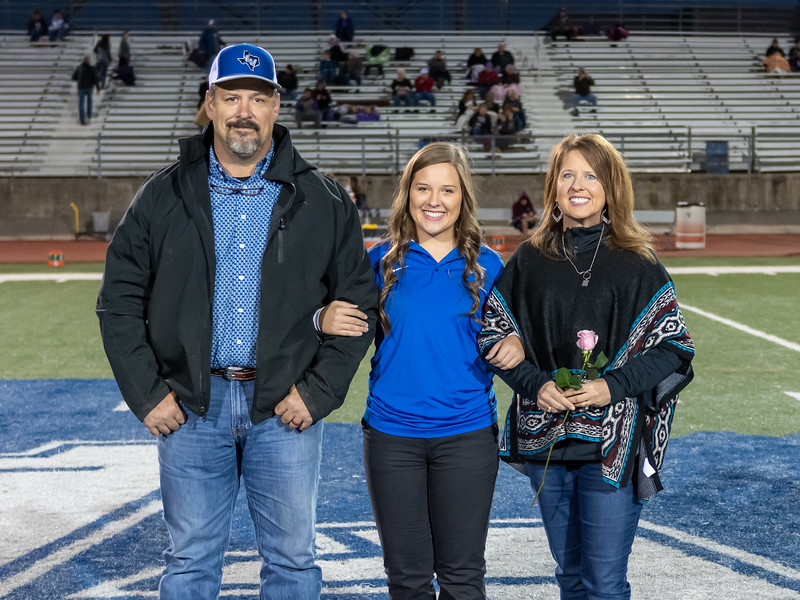 LV2019_SeniorNight-45.jpg