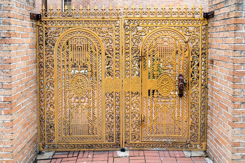 Gate, Seoul.