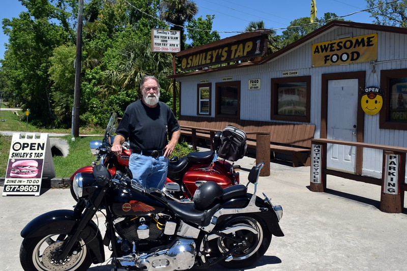 014a Dave at Smileys 4-21-17.jpg
