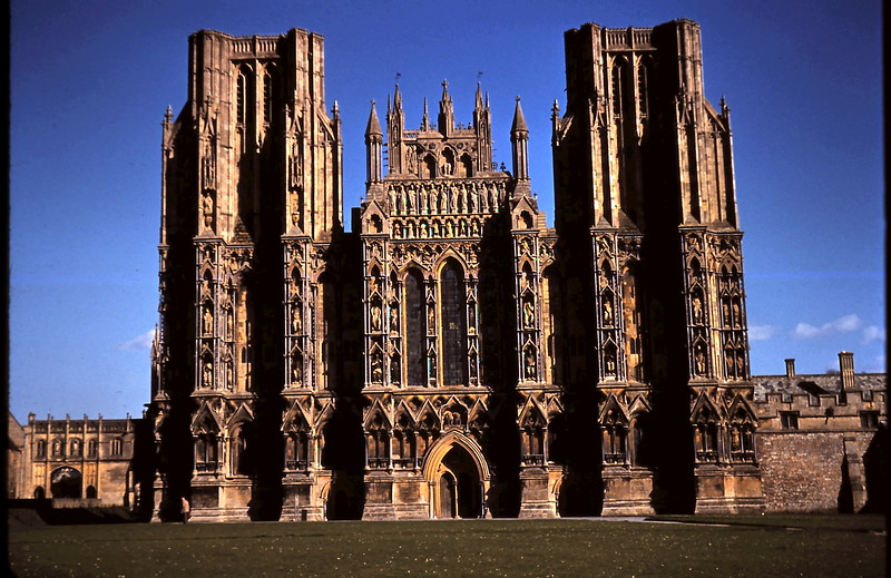 1959-3-15 Wells Cathedral, Somerset.JPG