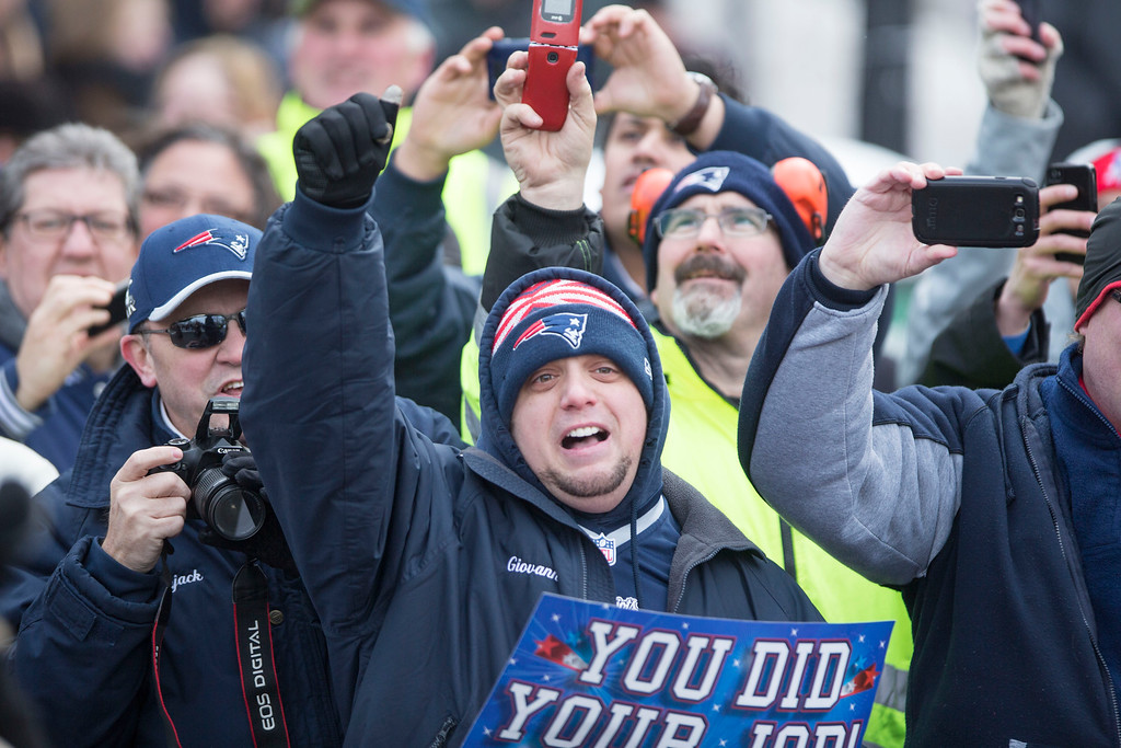 . New England Patriots fans cheer during the New England Patriots victory parade on February 4, 2015 in Boston, Massachusetts. (Photo by Scott Eisen/Getty Images)