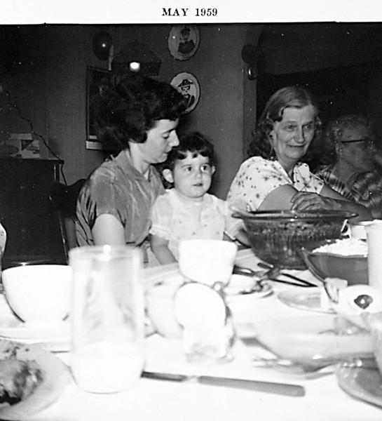 Aunt Martha, Francis, DOnna & Colleen.JPG