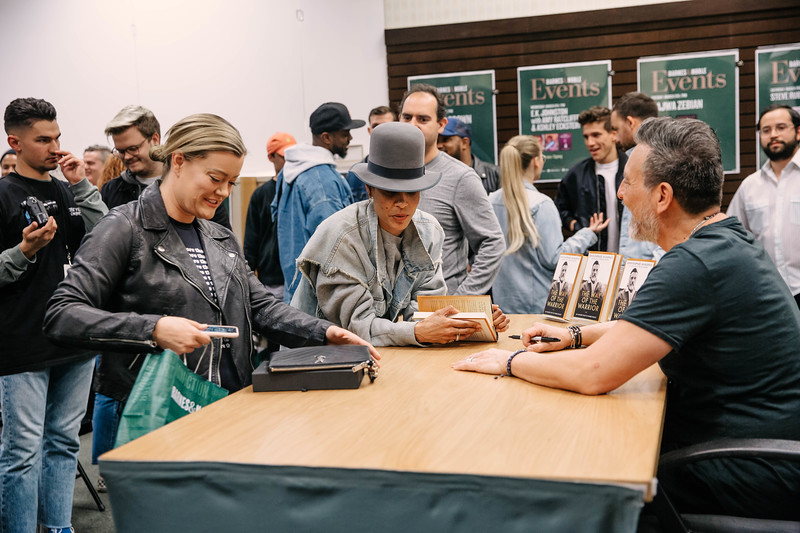 2019_2_28_TWOTW_BookSigning_SP_145.jpg