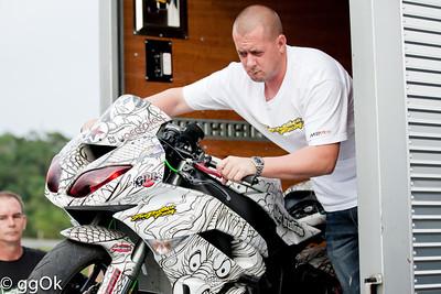 20111114: Team No Limit Jason Britton and Eric Hoenshells Okinawa