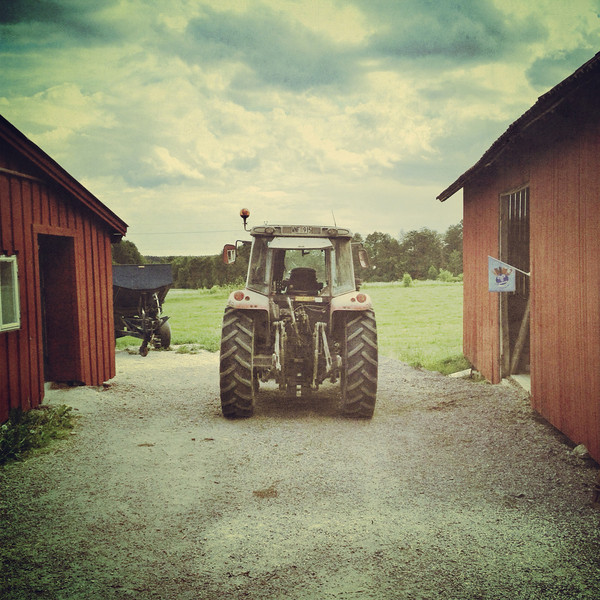 The tractor, Karbenning in Västmanland