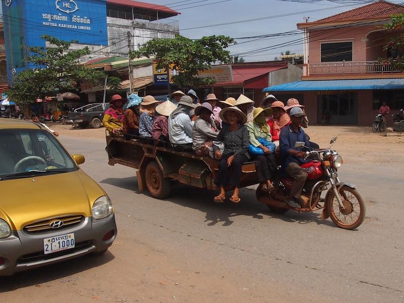PB153742-cart-full-of-ladies.JPG