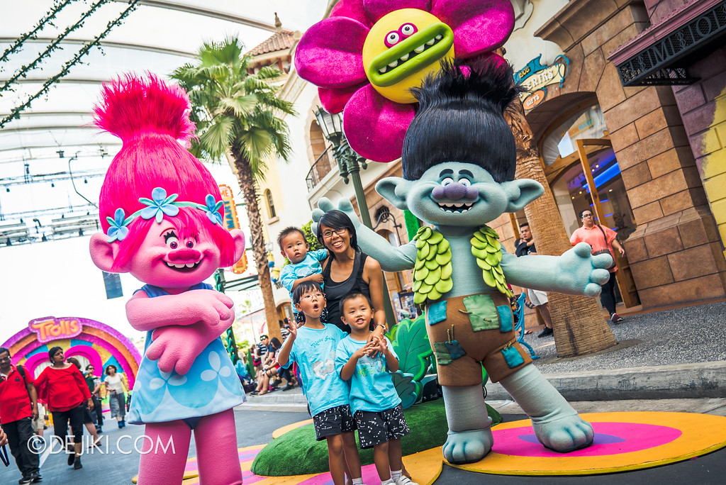 Universal Studios Singapore Park Update March 2018 TrollsTopia event - Hug Time Trio show meet and greet