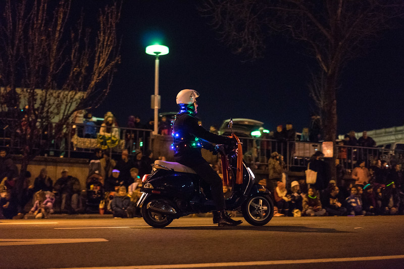 Light_Parade_2015-08418.jpg