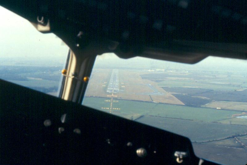 Dan-Air BAe 146 G-BKHT approach to Newcastle December 1983