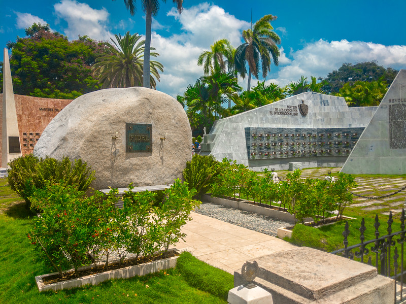 santa ifigrnia cemetery santiago de cuba-6.jpg