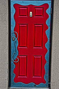 Greg Walker Project: AIDA'S RED DOOR