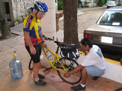 Mexico 11/30/07 Bike to Cobá/Cenote