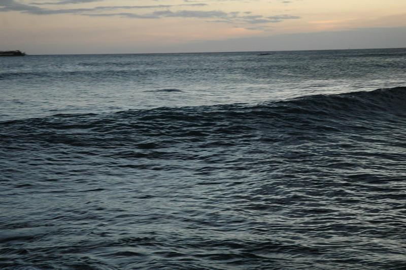 Hawaii - Ala Moana Beach Sunset-166.JPG