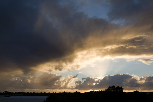 Hilo Sunrise 1 (Oct '07)