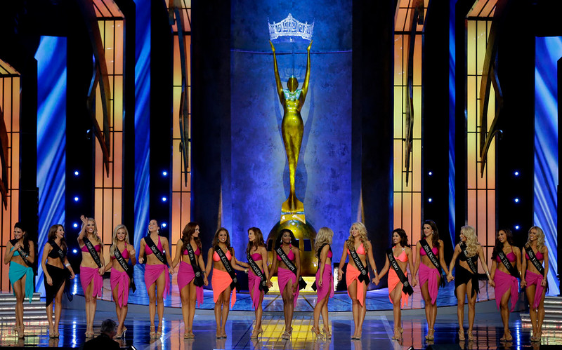 . Contestants don their swimsuits during the Miss America 2015 pageant, Sunday, Sept. 14, 2014, in Atlantic City, N.J. (AP Photo/Mel Evans)