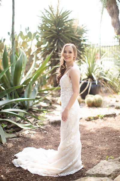 Christine_Bridal_Portraits_Zilker_Botanical_Garden_Austin_TX-15.jpg