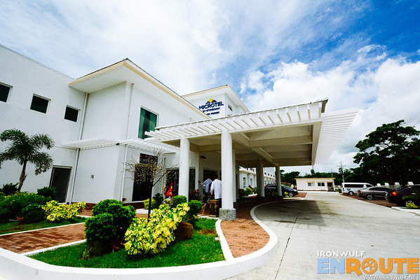 Microtel South Forbes