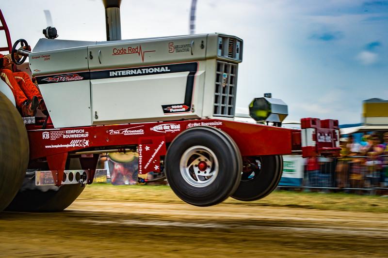 Tractor Pulling 2015-02450.jpg
