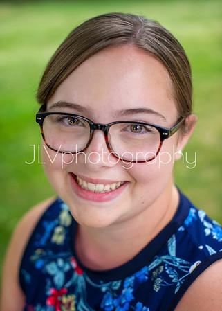 Courtney - Senior 2021
