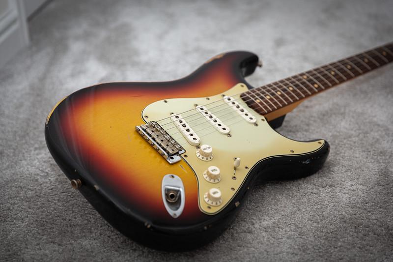 Fender - Custom shop relic - Sunburst - 2003