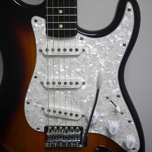 Squier Vintage Modified Strat SSS Sunburst