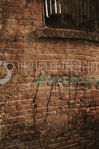 Grunge Alley_batch_batch.jpg