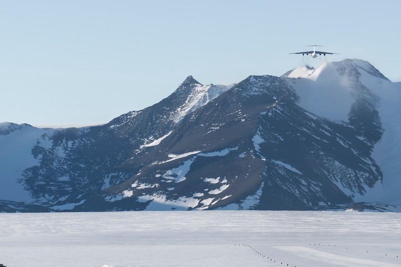 Punta IL76 Union Glacier -1-2-18069577.jpg