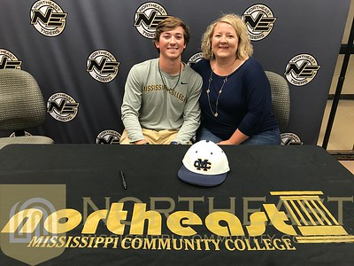 2018-04-17 BB Parker Haberstroh signs with Mississippi College