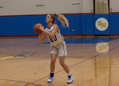 Girls Varsity Basketball – 2019/2020