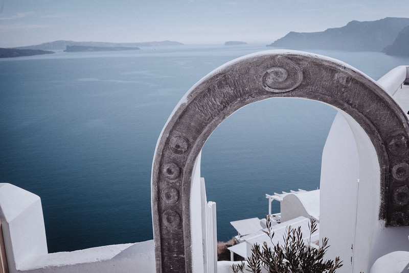 Tu-Nguyen-Wedding-Photography-Videography-Hochzeitsfotograaf-Engagement-Santorini-Oia-Greece-Thira-30.jpg