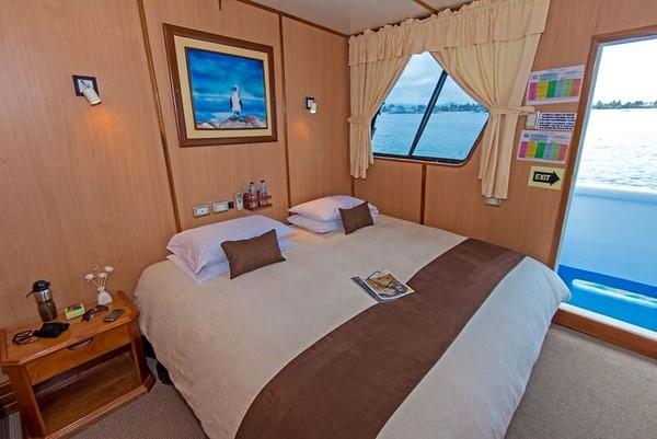 yolita-double-cabin.jpg