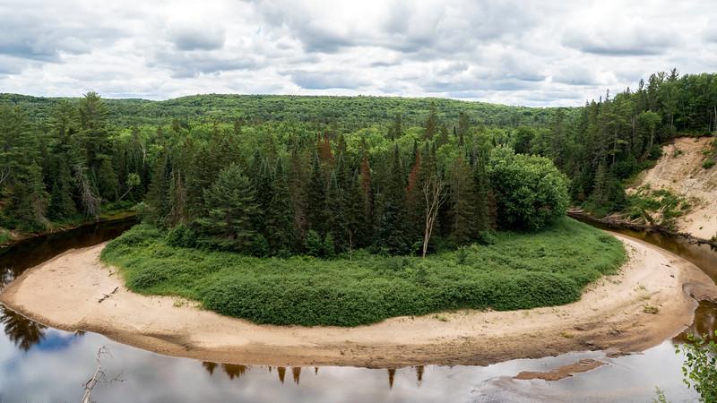 Arrowhead-Provincial-Park01.jpg