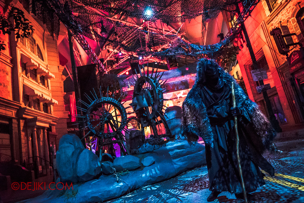 Halloween Horror Nights 7 - Pilgrimage of Sin / Deception spinning wheels