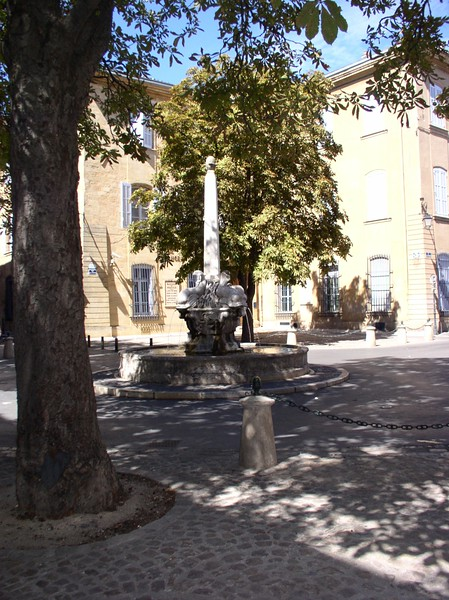 aix small fountain.JPG