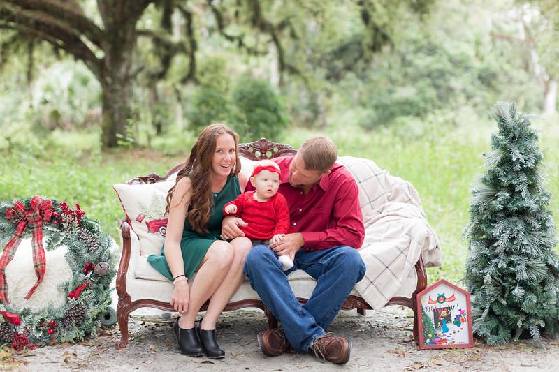 Holiday Minis- Heliin Family-10.jpg