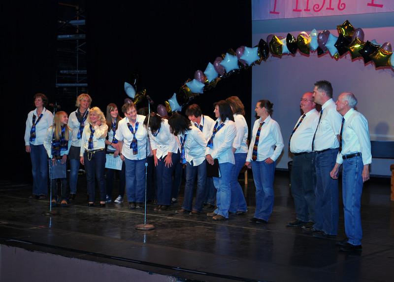 NEA_1096-7x5-German Choir.jpg