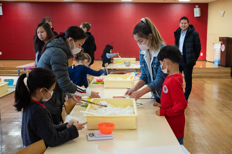 Grade 1-Making Onigiri For Chiku Center-ELP_8694-2018-19.jpg