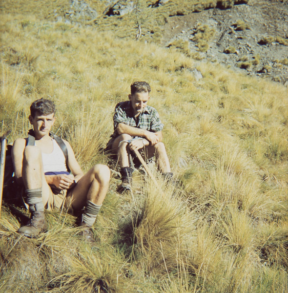 1955 Peter Dobson and XX Lannigan approaching Mt Tapendenuku.jpg